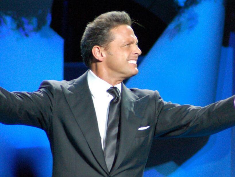 9. Luis Miguel: Un músico lo demandó por despido injustificado y también por plagio de una canción.