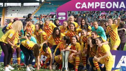 Las culés realizaron una gran hazaña y golearon por 10 tantos a la Real Sociedad con cuatro anotaciones de marta Torrejón, dobletes de Alexia y Oshoala y goles de graham e Iraia; la victoria fue clara.