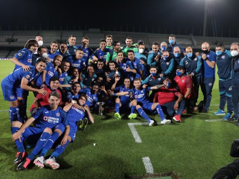 Cruz Azul campeón 1.jpg