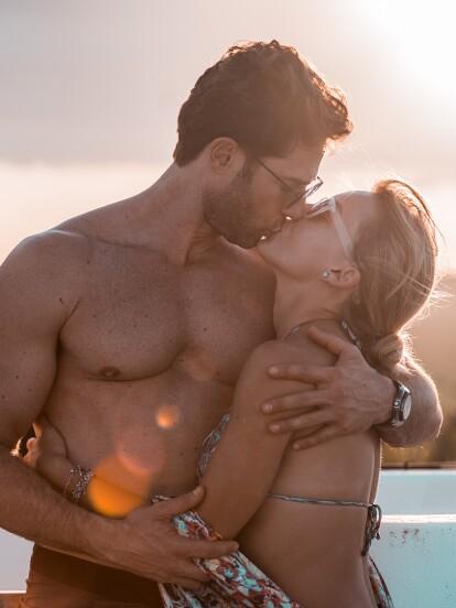 Angelique Boyer y Sebastián Rulli protagonizan uno de los romances más sinceros de la farándula. A continuación, te compartimos cómo surgió esta gran historia de amor.