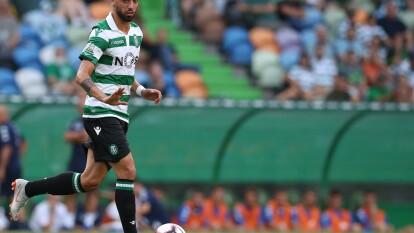 El recuento de las transferencias más caras en el futbol mundial.   Bruno Fernandes. Manchester United pagó 61 millones de dólares por los servicios del mediocampista al Sporting de Portugal.