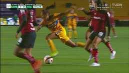¿Y ese penalti tan claro? María Sánchez es derribada en área de Toluca