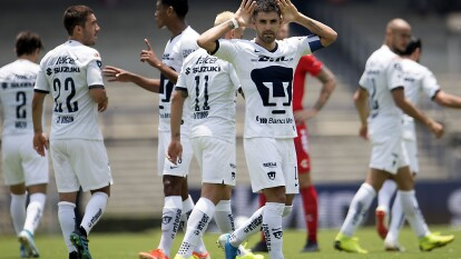 Jugadores discutidos por los seguidores de Pumas como Víctor Malcorra y Jeison Angulo pusieron los tantos del 2-0 sobre el pobre Veracruz.