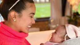 La bebé de Gianluca Vacchi y Sharon Fonseca ya manda besitos y su mamá comparte el dulce momento