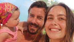 La bebita de Juan Diego Covarrubias toma por primera vez en popote y lo hizo ella solita