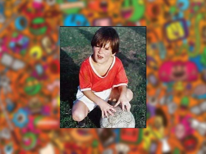 11 Leo messi niño.PNG