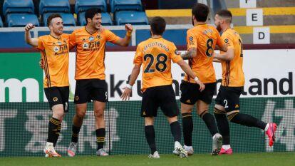 Con gol de Raúl Jiménez, los Wolves empataron ante Burnley | El mexicano anotó el primer gol del partido; con este resultado se alejan de la próxima UEFA Champions League.