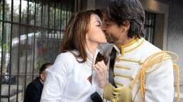 Así fue como Eugenio Derbez se convirtió en príncipe para darle el anillo de compromiso a Alessandra Rosaldo
