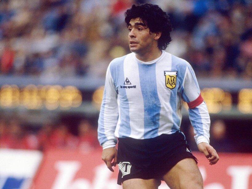Maradona Playera le coq.jpg