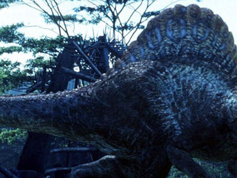 Spinosaurus (Jurassic Park 3): pudo ser el más grande de todos los carnívoros, más grande que el Tyrannosaurus rex.