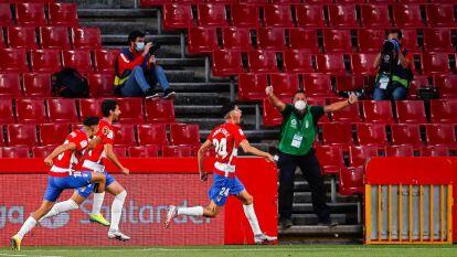 Granada dio la vuelta y 'despacha' al Getafe | Bastaron diez minutos para que los locales voltearan los cartones en su favor y doblegaran 2-1 a Getafe en el regreso de La Liga.