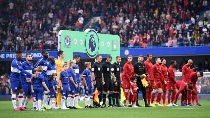 Con goles de Trent Alexander-Arnold y Firmino, el Liverpool venció al Chelsea, que descontó por medio de Kanté.