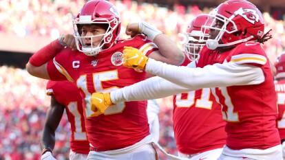 Patrick Mahomes lanzó 3 touchdowns y guía a los Chiefs a su tercer Super Bowl en la historia de la NFL.