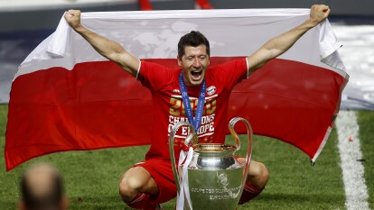 Estos fueron los premiados por la UEFA | La premiación del astro polaco y todos los que fueron reconocidos por la UEFA.
