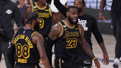 LeBron y los Lakers logran empatar la serie con un marcador de 109-117 a favor.