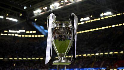 La UEFA implementó un nuevo sistema de ganancias en la que todos los equipos se llevan, mínimo, una cantidad de 15.25 millones de euros dividida en función de resultados, por el market pool, por ranking de títulos y resultados.