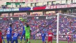 Corona mide mal y casi le cuesta un gol a Cruz Azul
