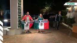 Dos aficionados mexicanos recibieron al Tri en Bermudas y el final no fue feliz