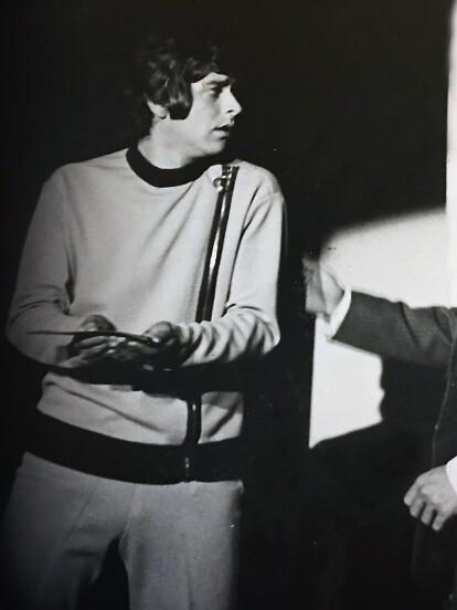 Raymundo Capetillo es un actor que dejó huella en el mundo de las telenovelas al formar parte de éxitos que marcaron a la televisión mexicana. A continuación, revive su trayectoria artística.