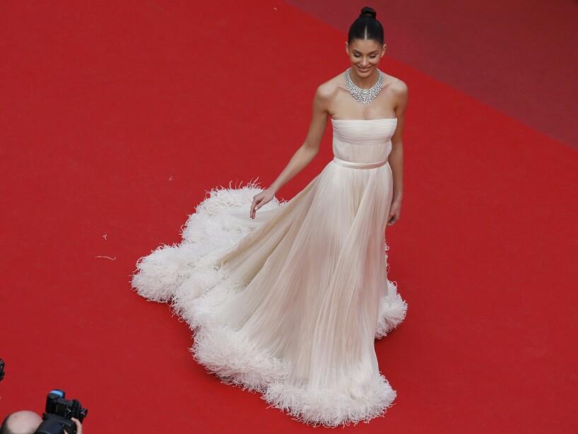 Camila Morrone, de 21 años, asistió para apoyar a Leonardo Di Caprio, con quien tiene una relación desde hace tiempo.
