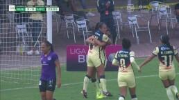 ¡Qué grave error! Verónica Pérez aprovecha un rebote para el 3-0