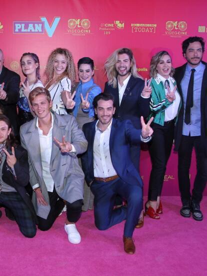 Se llevó a cabo la alfombra rosa de Plan V que llega a los cines mexicanos este 17 de agosto.