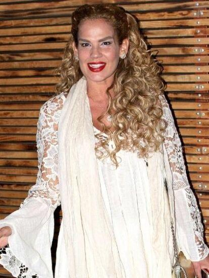 Edith González y Niurka Marcos trabajaron de cerca en 'Salome', telenovela producida por Juan Osorio. Pese a la cercanía de sus personajes, las famosas jamás entablaron una amistad, ¿por qué?, ¿qué paso entre ellas? Esta es la versión de la cubana.