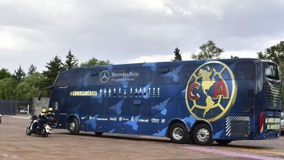 Varios jugadores llegaron en sus vehículos particulares. Algunos hicieron el recorrido en el autobús del equipo. Todos cumplieron con las estrictas medidas sanitarias que se impusieron para el desarrollo del torneo.