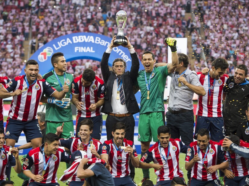 Desde la creación del Estadio Omnilife, alcanzar 12 títulos en Liga MX y una cantera fructífera con productos como 'Chicharito' y Carlos Vela, todo esto fue lo dejó la 'era Vergara'.