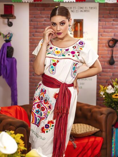 Brisa Carrillo interpreta a 'Marieta' en 'Como dice el dicho'.