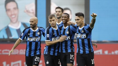 Con goles de seis diferentes jugadores, el Inter de Milán no se toca el corazón y golea en casa al Cagliari.