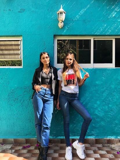 El 5 de noviembre de 2018 se estrenó 'Amar a muerte', telenovela en la que Bárbara López y Macarena Achaga encarnaron a 'Juliana' y 'Valentina', respectivamente, dos mujeres que, con el paso de la historia, se dan cuenta que están enamoradas y están dispuestas a hacer cualquier cosa por estar juntas y cumplir con sus metas profesionales.