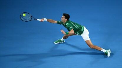 Novak Djokovic derrotó a Jan-Lennard Struff en cuatro sets. Aquí una muestra de la calidad por parte del serbio.