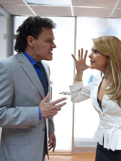 'Hasta que el dinero nos separe' fue una exitosa telenovela producida por Emilio Larrosa en 2019, que narró la historia de amor entre 'Rafael' y 'Alejandra', así como la serie de problemas que tuvieron que superar para lograr estar juntos.
