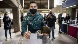 Messi vota por primera vez en comicios del Barcelona