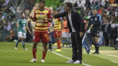 - En pleno torneo se unió al equipo michoacano en sustitución de Javier Torrente.<br>- Comenzó a dirgir a partir de la Fecha 7 y debutó con un empate 1-1 ante Atlético San Luis.</br>