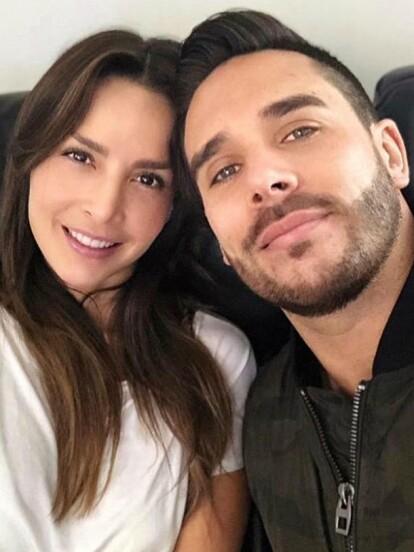 Tras 11 años de relación, Carmen Villalobos y Sebastián Caicedo se casaron el pasado 18 de octubre en Cartagena de Indias, Colombia, en compañía de sus amigos y seres queridos.