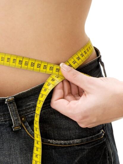 Existen algunos remedios caseros que te ayudarán a desinflamar el vientre, así como a eliminar esos kilos de más. ¡Checa la galería!