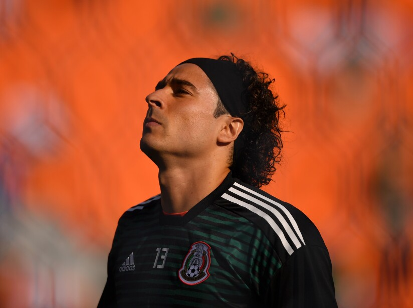 Las transferencias de mexicanos entre clubes europeos.
