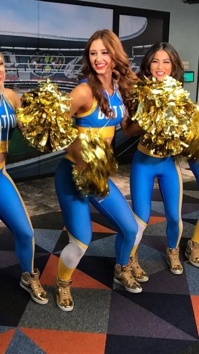 Chargers Cheerleaders 5.jpeg