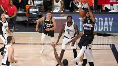 Los Denver Nuggets continúan con vida en la semifinales de conferencia tras vencer 98-111 a Los Angeles Clippers.