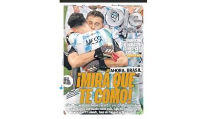 """Emiliano Martínez fue calificado como un """"héroe""""; la Selección de Argentina se medirá a Brasil en el Maracaná."""