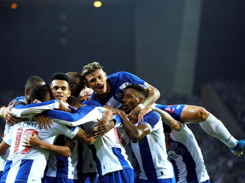 Porto vence a Famalicao tres goles a cero y es líder de la Liga Portuguesa