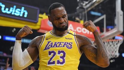 Los Angeles Lakers vencen 117-87 a New York Knicks