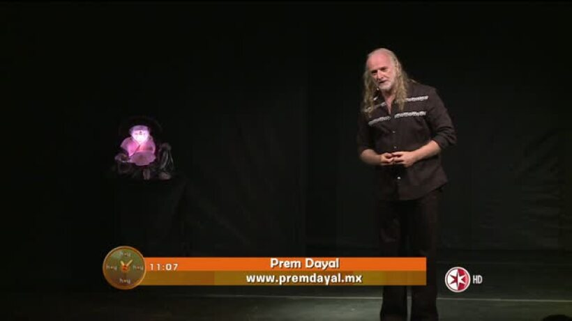 Morris nos presenta a Prem Dayal ´libérate  a través de la risa y el canto´