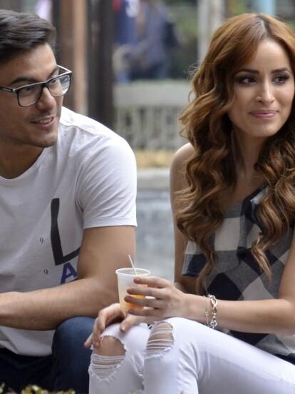 Carlos Rivera y Cynthia Rodríguez son novios, pero en muy pocas ocasiones las estrellas han hablado de su relación. Es por eso que ahora presentamos lo que se sabe de su historia de amor