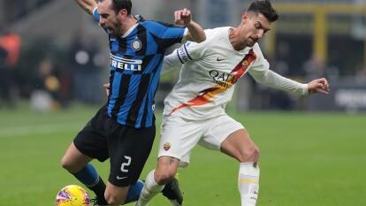 El Estadio Giuseppe Meazza albergó este encuentro entre el Inter y la Roma pero ninguno pudo imponer condiciones.