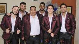 Banda Los Sebastianes se echó divertido palomazo con sus fans