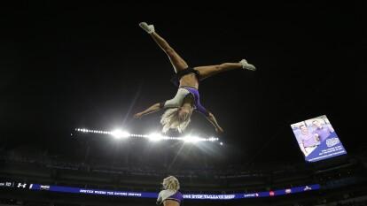 Las Cheerleaders nos muestran su talento en la antesala de las finales de campeonato de la NFL.