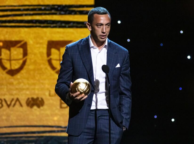 Gracias a su accionar durante la temporada 2018-2019 fue reconocido como el mejor portero de la Liga MX.